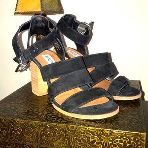 Steve Madden Black Suede Chunky Heel Sandal Size 5